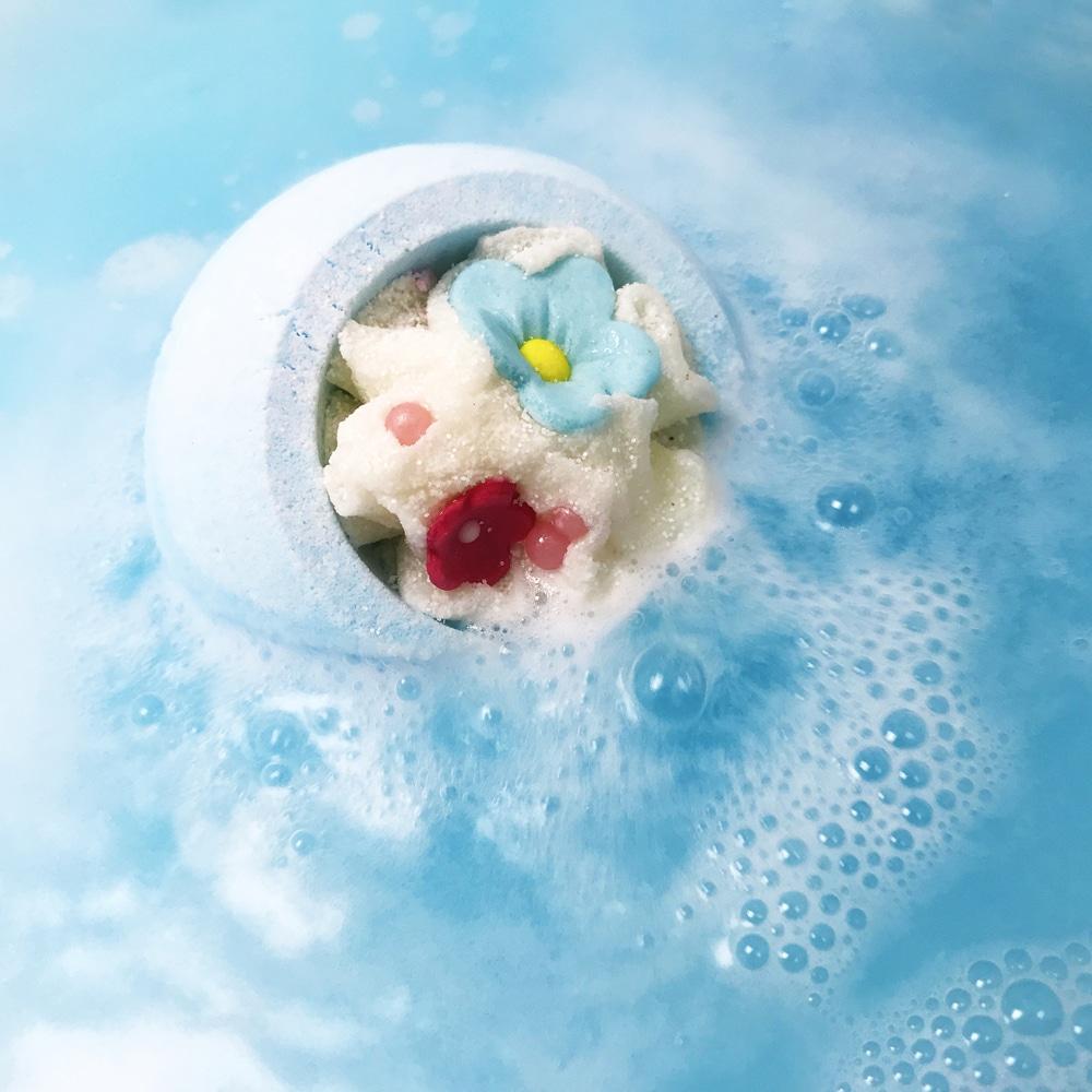 Bomb Cosmetics Cotton Flower Bath Bomb 160g 1