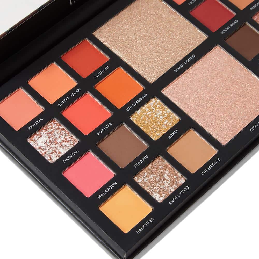 LaRoc Pro 26 Colour Makeup Palette - The Bakery Box 6