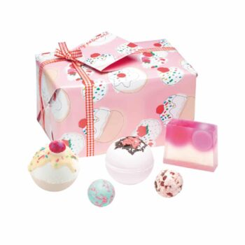 Bomb Cosmetics Cherry Bathe-well Gift Pack